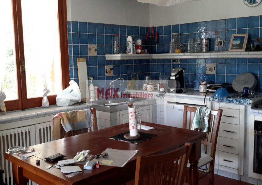 Pesaro, zona Roncaglia - Casa Unifam. / Villa in Vendita | Foto 6