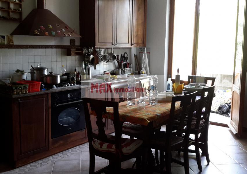 Pesaro, zona Roncaglia - Casa Unifam. / Villa in Vendita | Foto 8