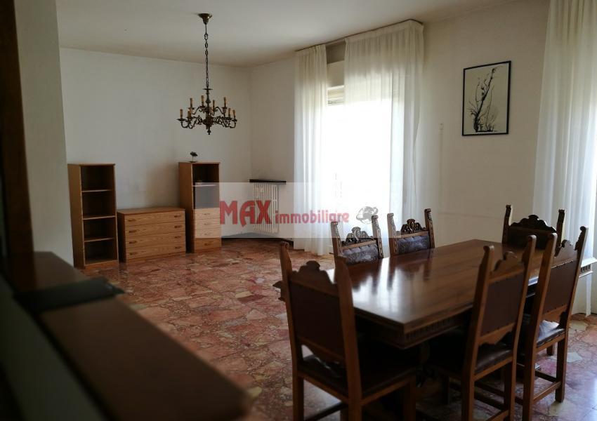 Pesaro, zona Loreto - Appartamento in Vendita | Foto 2