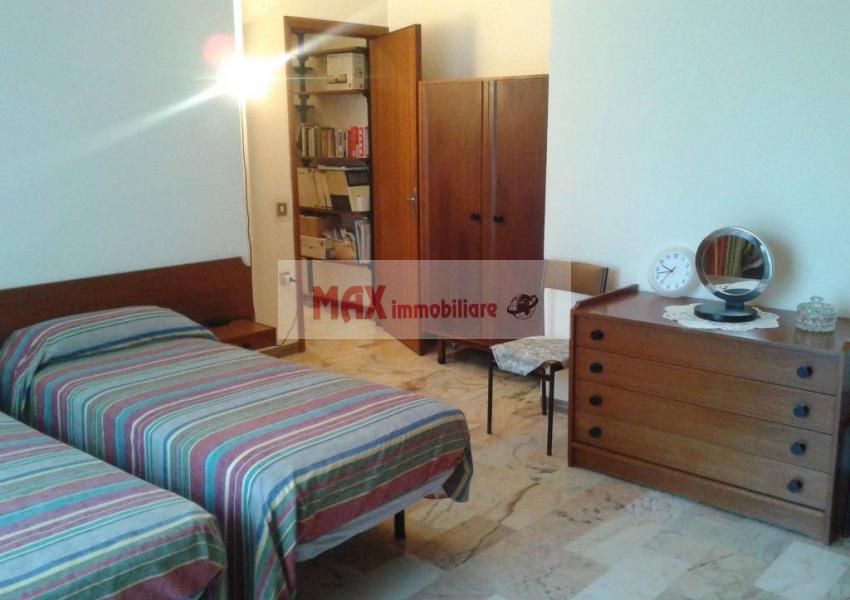 Pesaro, zona Montegranaro - Appartamento in Vendita | Foto 4
