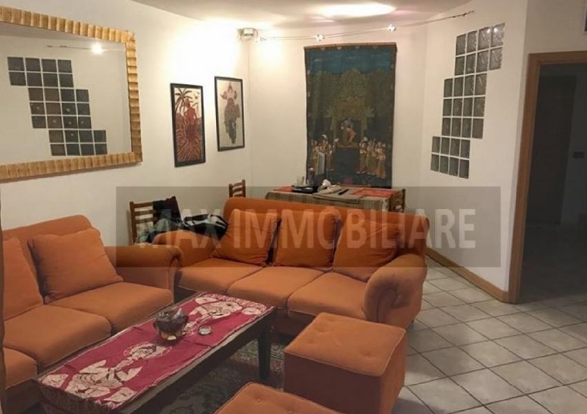 Pesaro, zona Parco Miralfiori, Appartamento in Vendita
