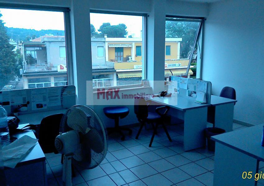 Pesaro, zona Tombaccia, Ufficio in Affitto