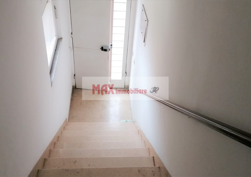 Pesaro, zona Calcinari - Appartamento in Vendita | Foto 2