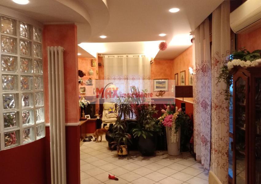 Pesaro, zona Tombaccia - Appartamento in Vendita | Foto 2