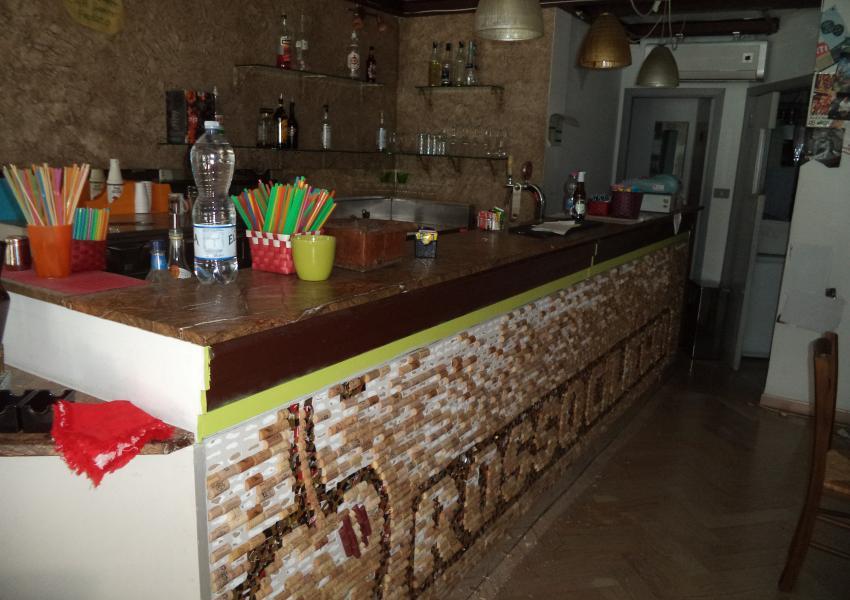 Pesaro, zona Centro, Bar in Vendita