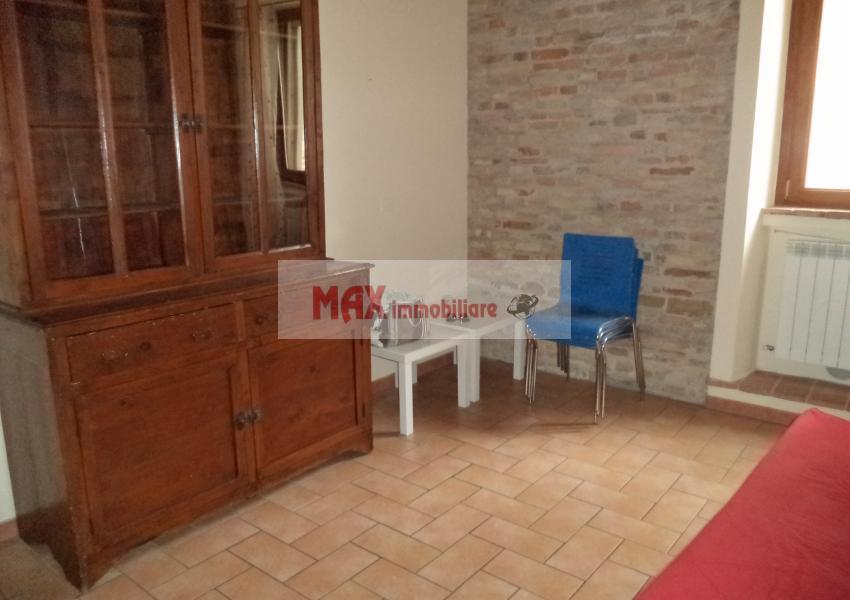 Pesaro, zona Centro ZTL - Appartamento in Affitto | Foto 2