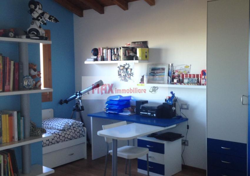 Mombaroccio, zona Mombaroccio periferia - Casa Unifam. / Villa in Vendita | Foto 6