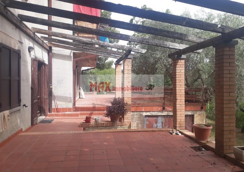 Fano, zona Roncosambaccio - Casa Unifam. / Villa in Vendita | Foto 2