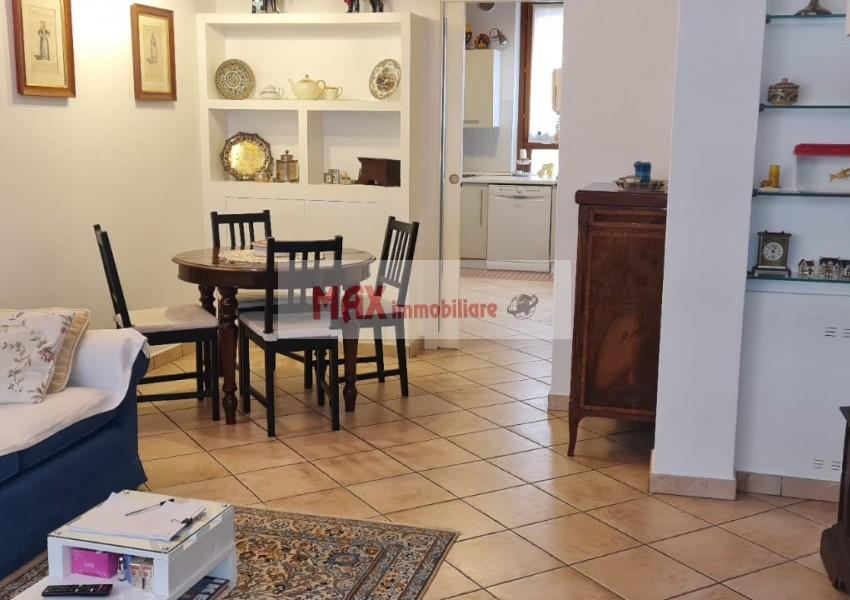 Pesaro, zona Centro storico, Casa Schiera / Porz.Casa in Vendita
