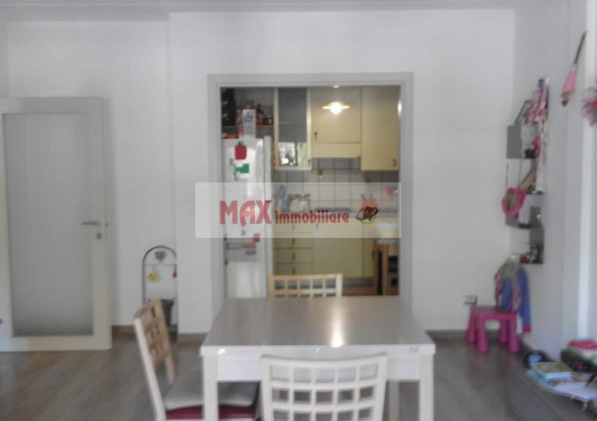 Pesaro, zona Vismara, Appartamento in Vendita